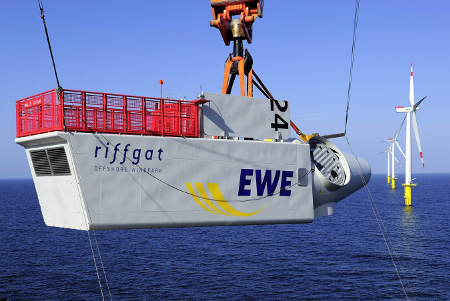 Gondelmontage Offshore-Windpark Riffgat, Quelle: ©EWE