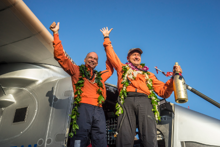 Quelle_Solarimpulse-Revillard-Rezo_ch_450x300_150703_RTW8_Nagoya-Hawaii_landing-6579