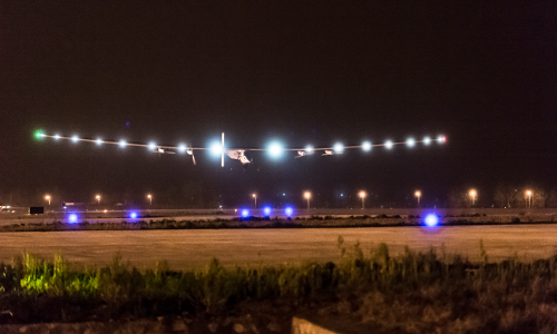 2015_04_21_Solar_Impulse_2_RTW_6th_Flight_Chongqing_to_Nanjing_landing_Pizzolante--03044.png
