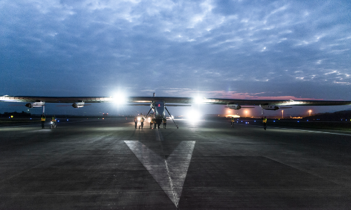 2015_04_21_Solar_Impulse_2_RTW_6th_Flight_Chongqing_to_Nanjing_take-off_Pizzolante--00813.png