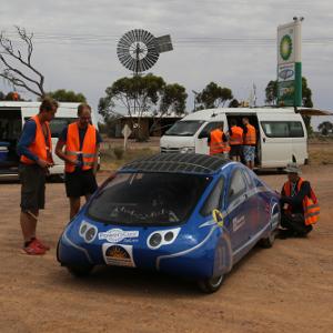 PowerCore SunCruiser am Kontrollstop in Glendambo/Australien Quelle: Hochschule Bochum